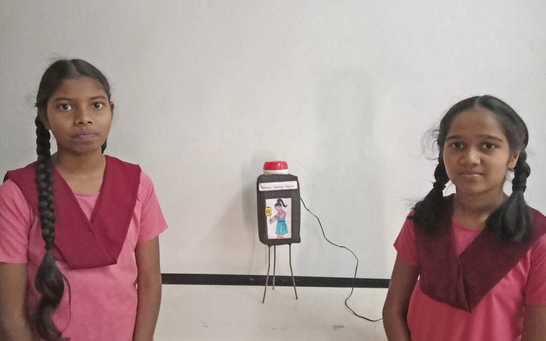 सॅनिटायझर हातावर घेण्याचे स्वयंचलित यंत्र